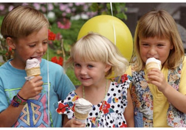 Kids-Eating-Ice-Cream-683×420
